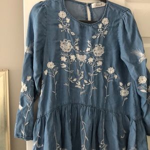 Chambray Floral Embroidered Dress Size Small